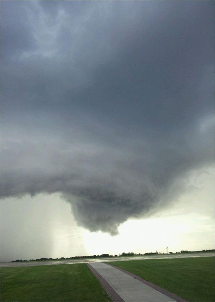 tornado-599805_1280